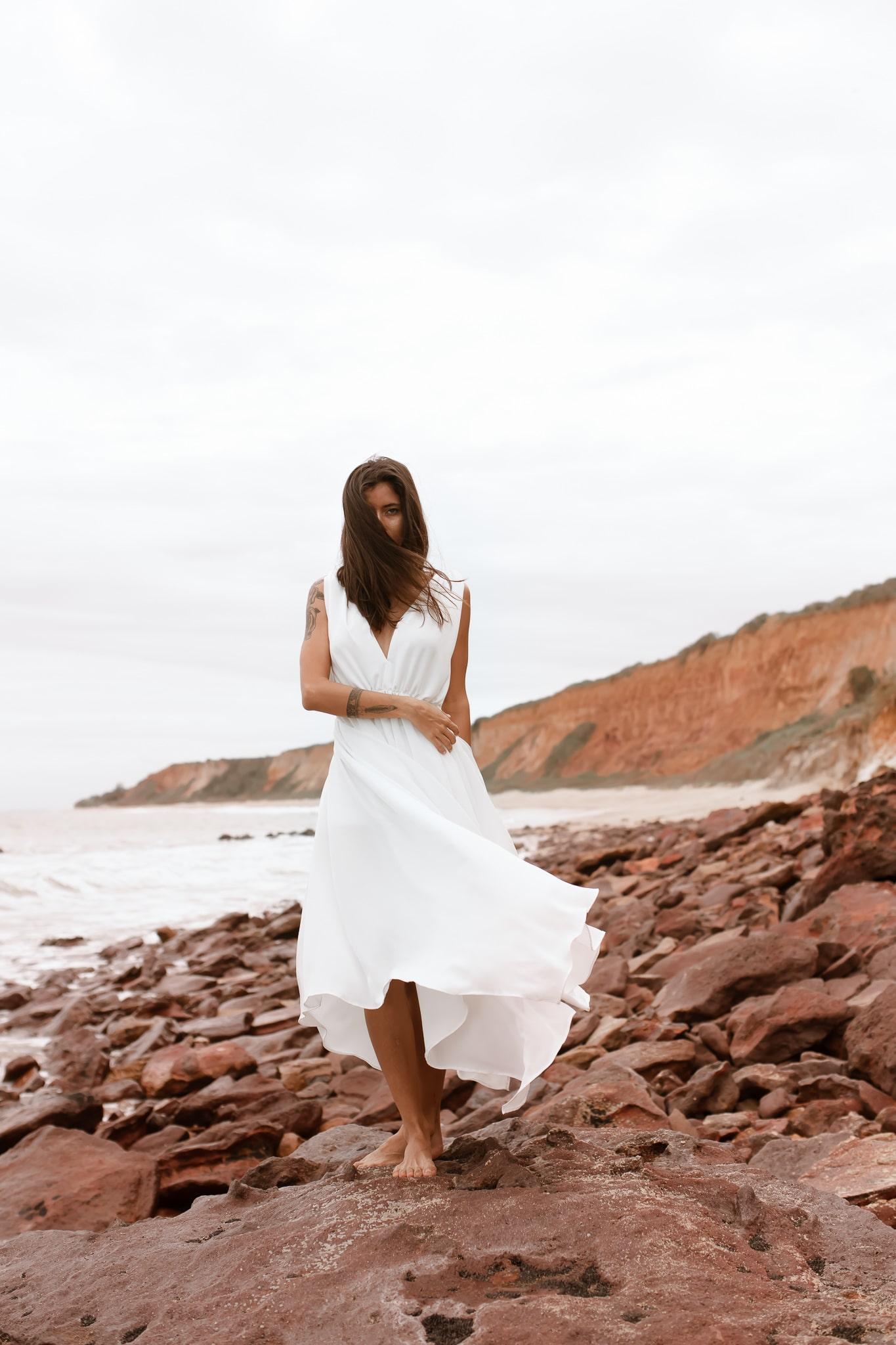 Vestido decotado branco