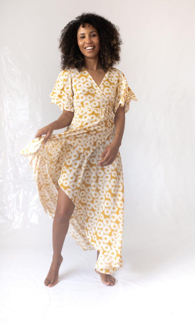 Vestido transpassado margaridas