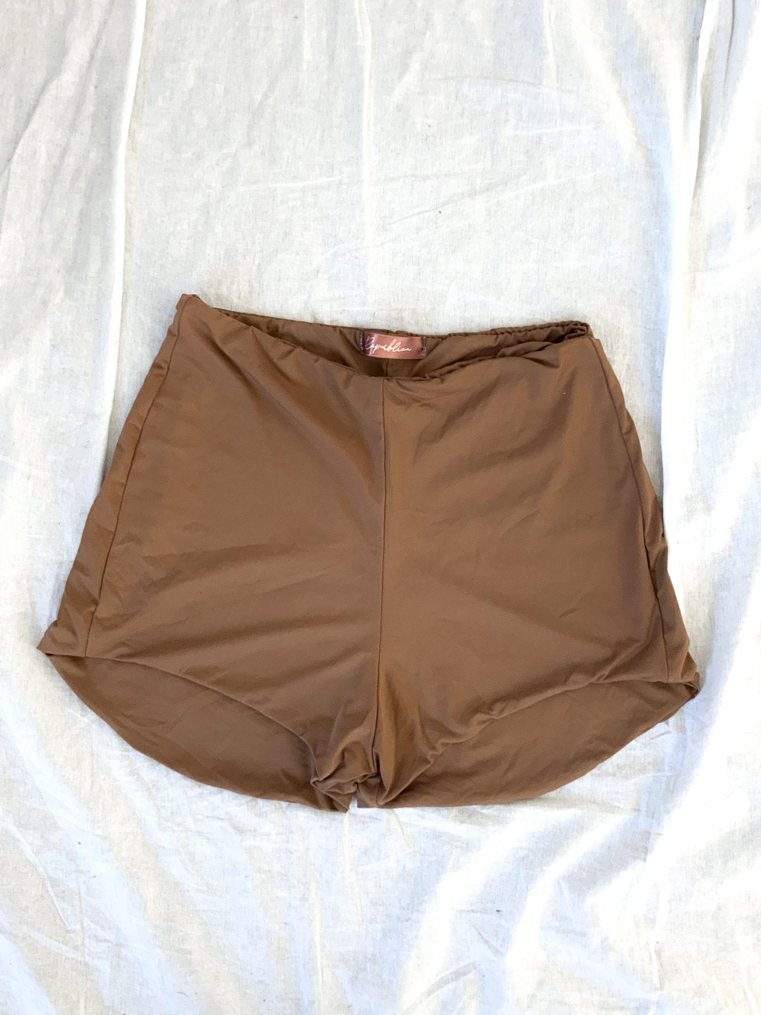 hot pants nude 1