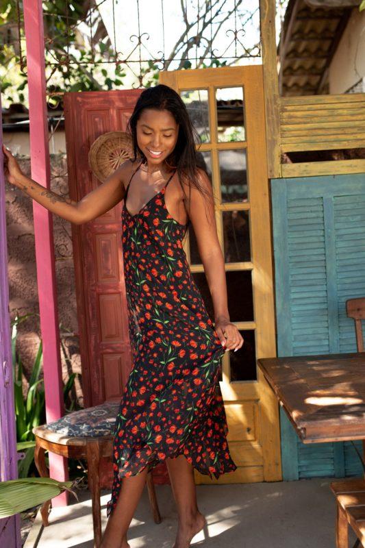 vestido midi lenço florido