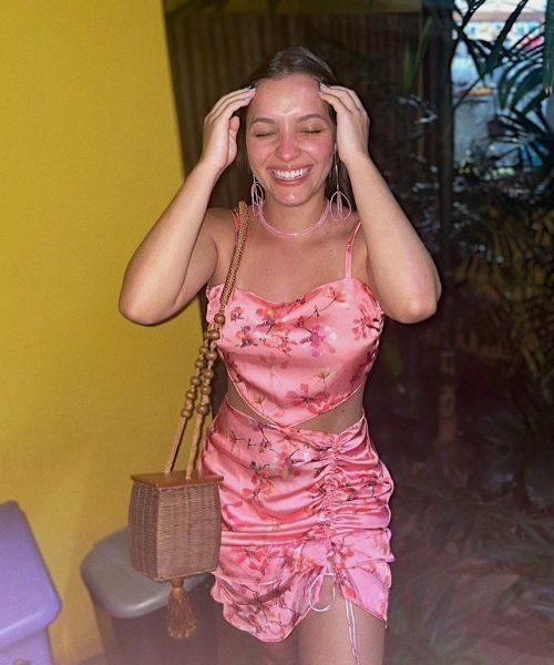 """República on Instagram_ """"A linda Maju de conjunto flora! É ou não é uma gracinha essa combinação_ 🦋""""-min"""
